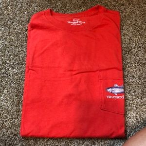 men's red vinyard vines size medium t shirt